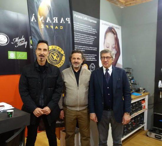 Ο ιδιοκτήτης του Caffe Parana Mr.Emilio Giannelli με τον Κύριο Χαιρέτη και τον Διευθυντή του Caffe Parana Gianni Biagoni